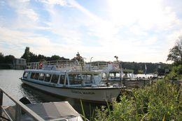 Fahrgastschiff Stadt Lingen am Anleger in Hanekenfähr