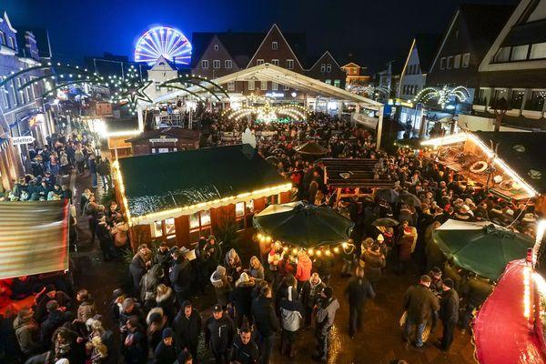 Weihnachtsmarkt in Meppen – Blick auf Marktplatz
