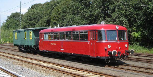 Hümmlinger Kreisbahn - Uerdinger mit Packwagen in der Sprakeler Heide