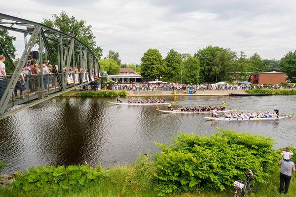 Drachenbootbootrennen 2016 auf dem Dortmund-Ems-Kanal in Lingen (Ems)