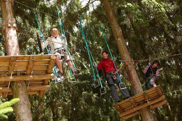 Kletterwald Surwold - Gäste unterwegs auf einem der Parcours