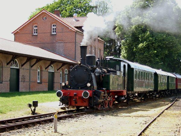Museumseisenbahn Hasetal-Express am Bahnhof Haselünne