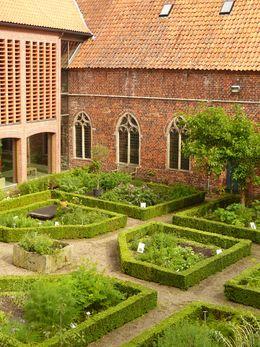 Klostergarten vom Kloster Ter Apel in der Provinz Groningen