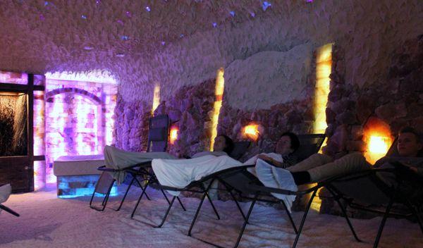 Salzgrotte Hasetal in Haselünne – Entspannen auf einer Relaxliege in der Salzgrotte