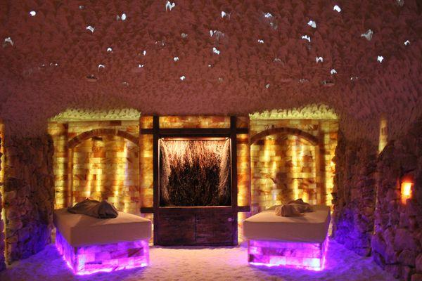Salzgrotte Hasetal in Haselünne – Entspannen auf einem Wasserbett in der Salzgrotte