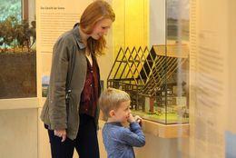 Ems-Infozentrum mit Besuchern
