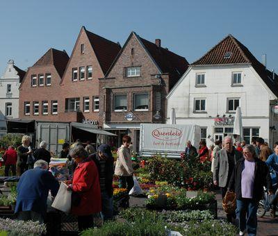 Wochenmarkt auf dem Lingener Marktplatz